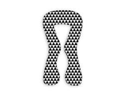 FabiMax Schwangerschaftskissen in  U-Form, ca. 139 x 80 cm, abnehmbarer Bezug, Dreiecke schwarz/weiß