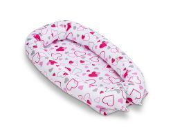 FabiMax Babynest Kuschelnest Kokon, herausnehmbare Schaumstoff-Einlage, ca 80 x 45 cm, weiß / Herzen rosa